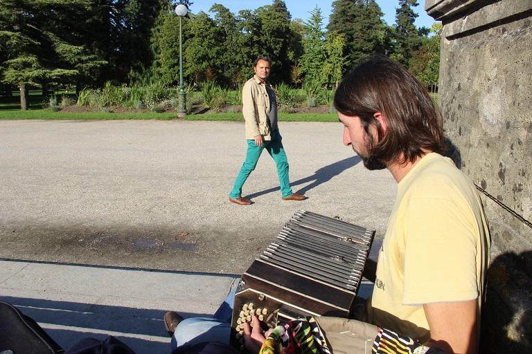 L'accordéoniste voleur d'âme. (cc) Vincent Duquennoy (17/10/2013)